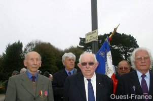 Inauguration d'un rond point à Quimper (2007)